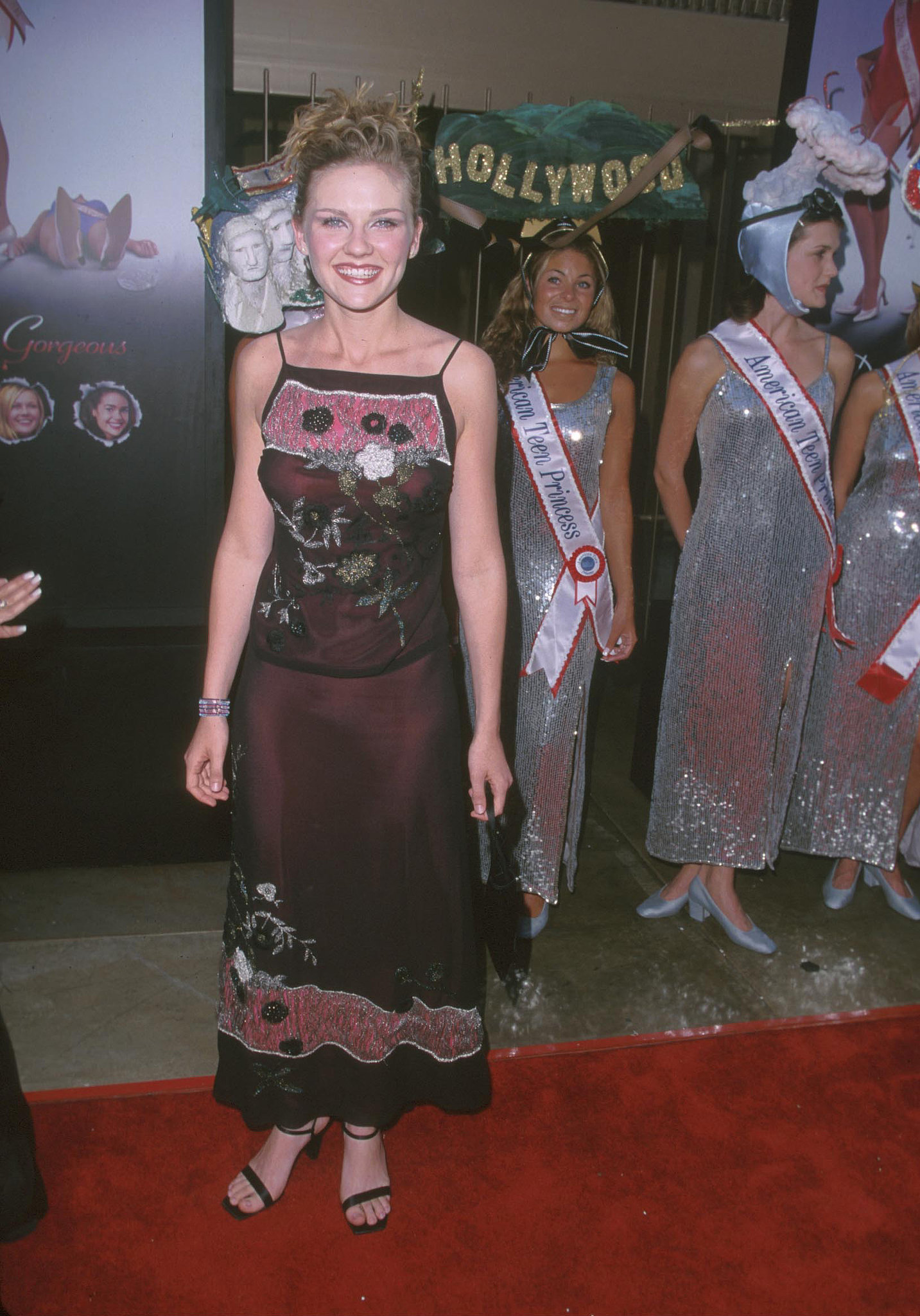 Kirsten Dunst Wore Your Dream Prom Ensemble . . .