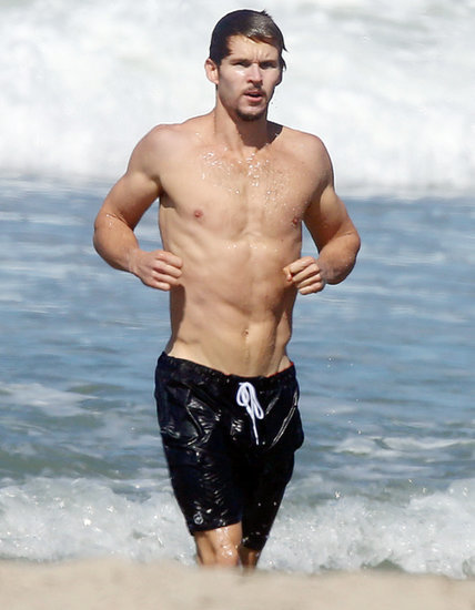 Ryan Kwanten Goes Shirtless in Malibu Beach: Picture