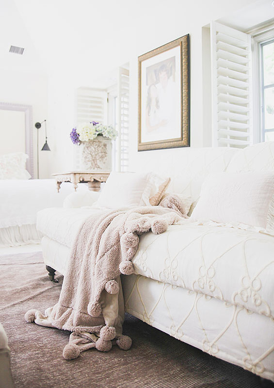 Fresh flowers add life and color to any room. Photo by Tessa Neustadt. via Homepolish