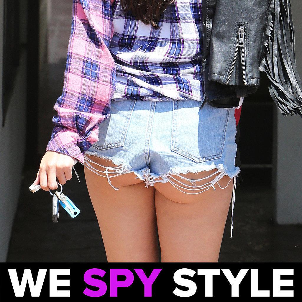 We Spy Selena Gomez Butt Cleavage 8.12 | Video