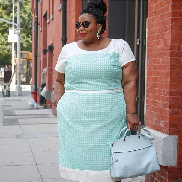 For an end-of-Summer soiree, take notes and dress up pastels with statement-making earrings.  Source: Instagram user itsmekellieb