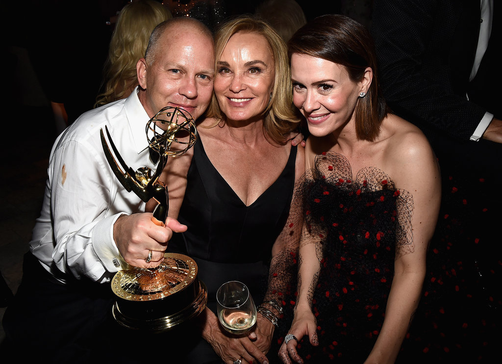 Ryan Murphy cozied up to his leading ladies, Sarah and Jessica.