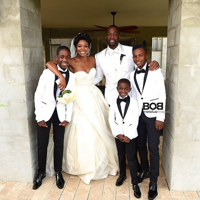 Gabrielle and Dwyane gathered with his boys Zaire, Zion, and Dahveon.