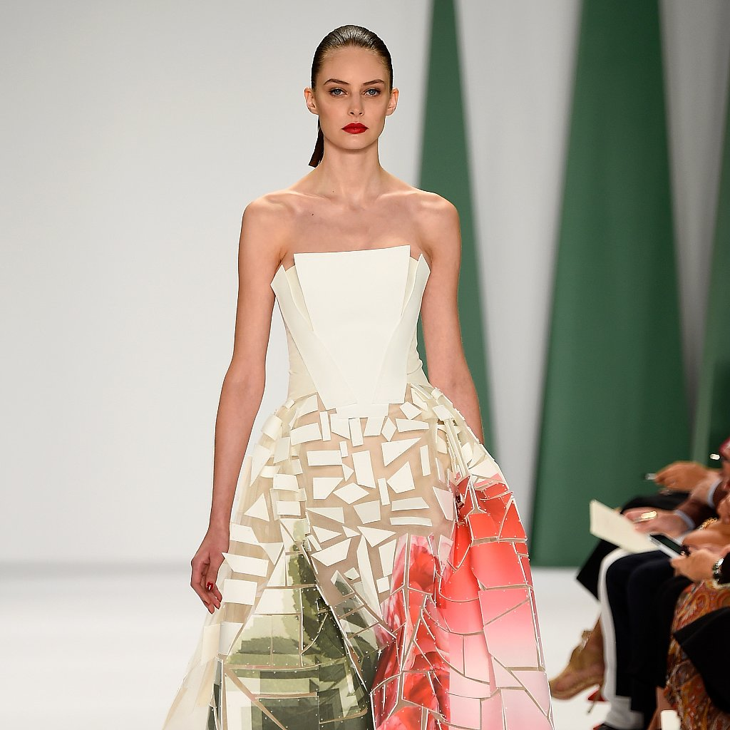 Fashion Show Runway 2015 Carolina Herrera Found a Way