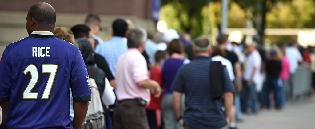 Fans Wait in Long Lines to Exchange Ray Rice Jerseys