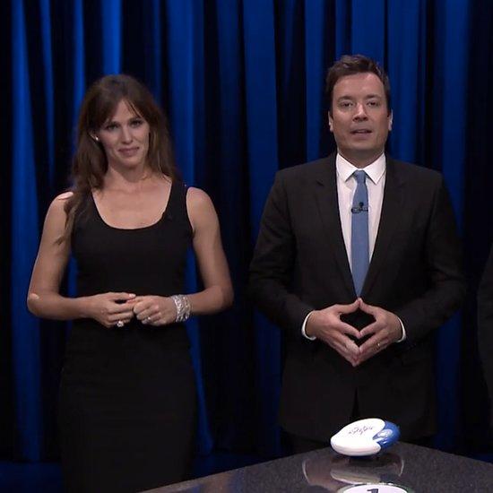 Jennifer Garner Playing Catchphrase | Video