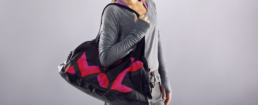 10 Things You Should Always Have in Your Gym Bag