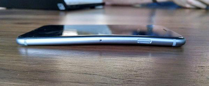 What Now, Apple? Website Publishes Photos of More Than 300 Bent iPhones