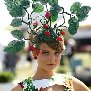Hats and Fascinators at Crown Oaks Day 2014