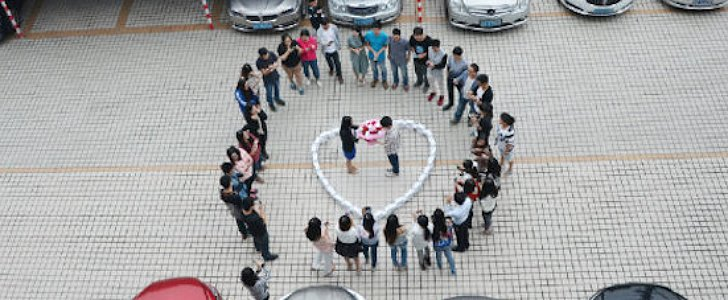 99 iPhones Were Used in the Saddest Public Proposal of All