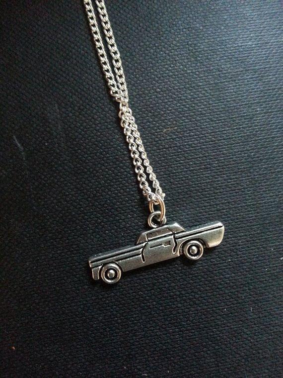 Collana di fascino Impala ($ 4)