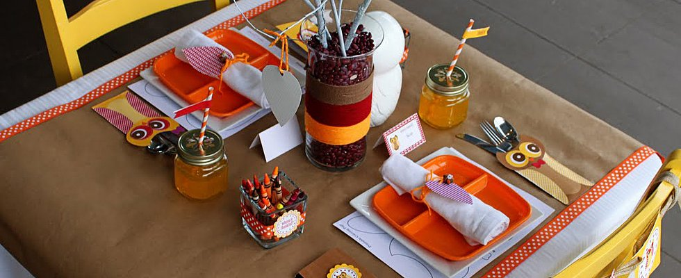 Be Grateful For an Adorable Thanksgiving Kid Table