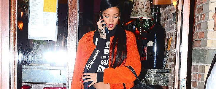 It's 2014, and Rihanna Just Loves Old Phones