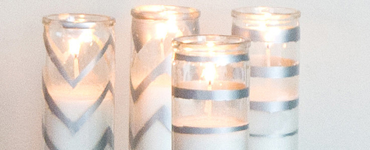 DIY Holiday Gifts: Sparkling Spray-Painted Candles
