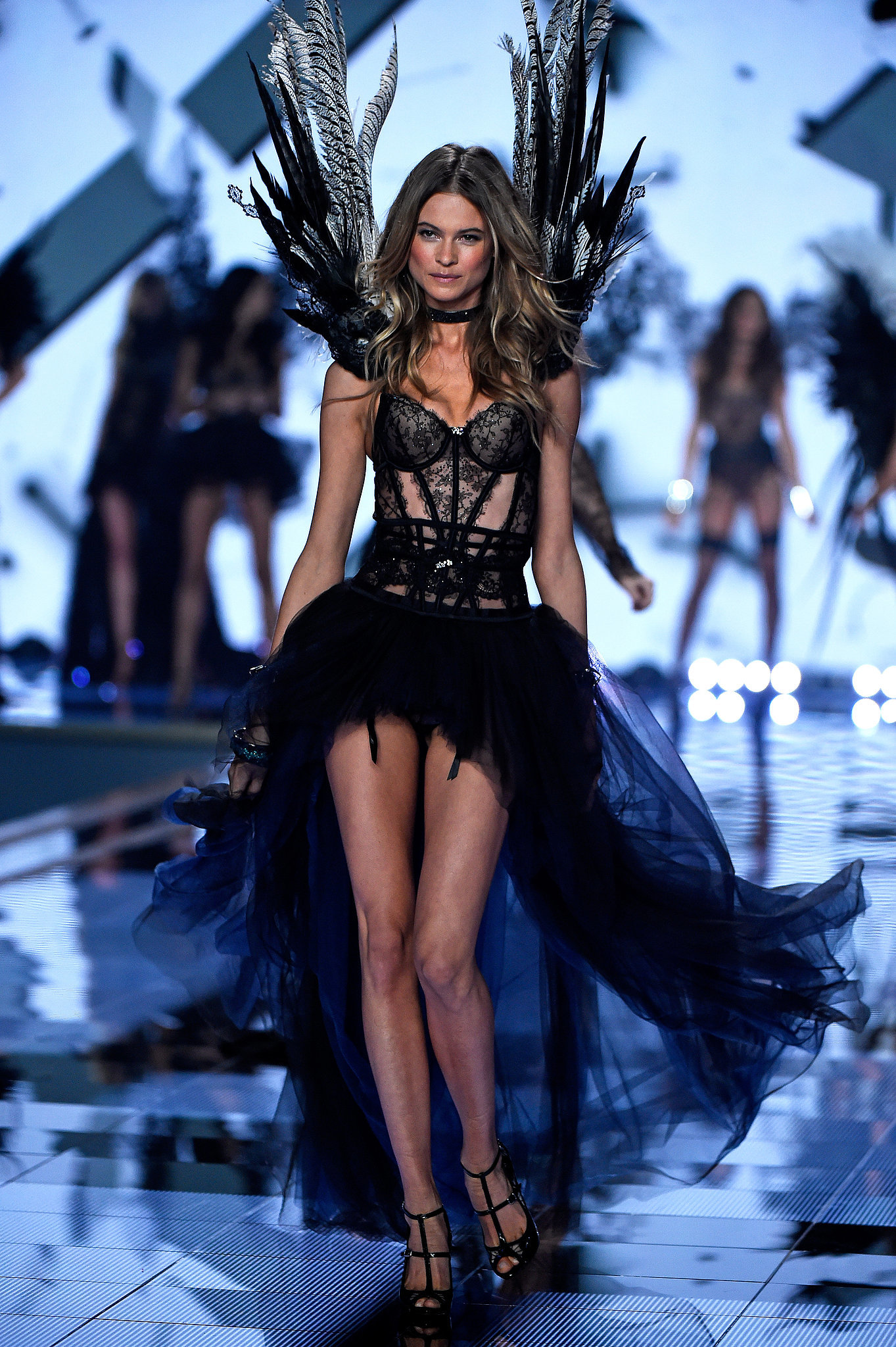 Victoria 39 S Secret Fashion Show 2014 See Every Jaw Dropping Look From The Victoria 39 S Secret