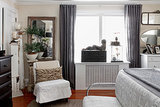 How to Cover Windows Above a Radiator (8 photos)