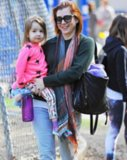 Alyson Hannigan & Keeva Have Some Fun In The Sun!