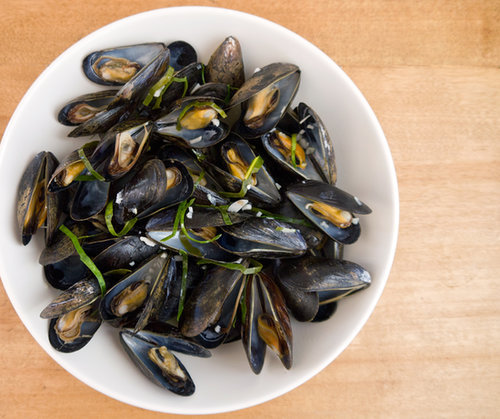 Lime-Leaf-Steamed Mussels