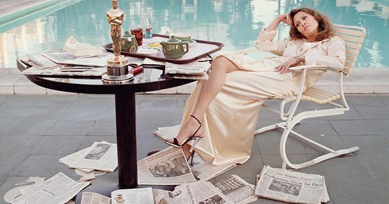 The Story Behind Faye Dunaway's Iconic 'Morning After' Photo