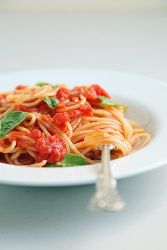 Spaghetti With Tomato-Butter Sauce