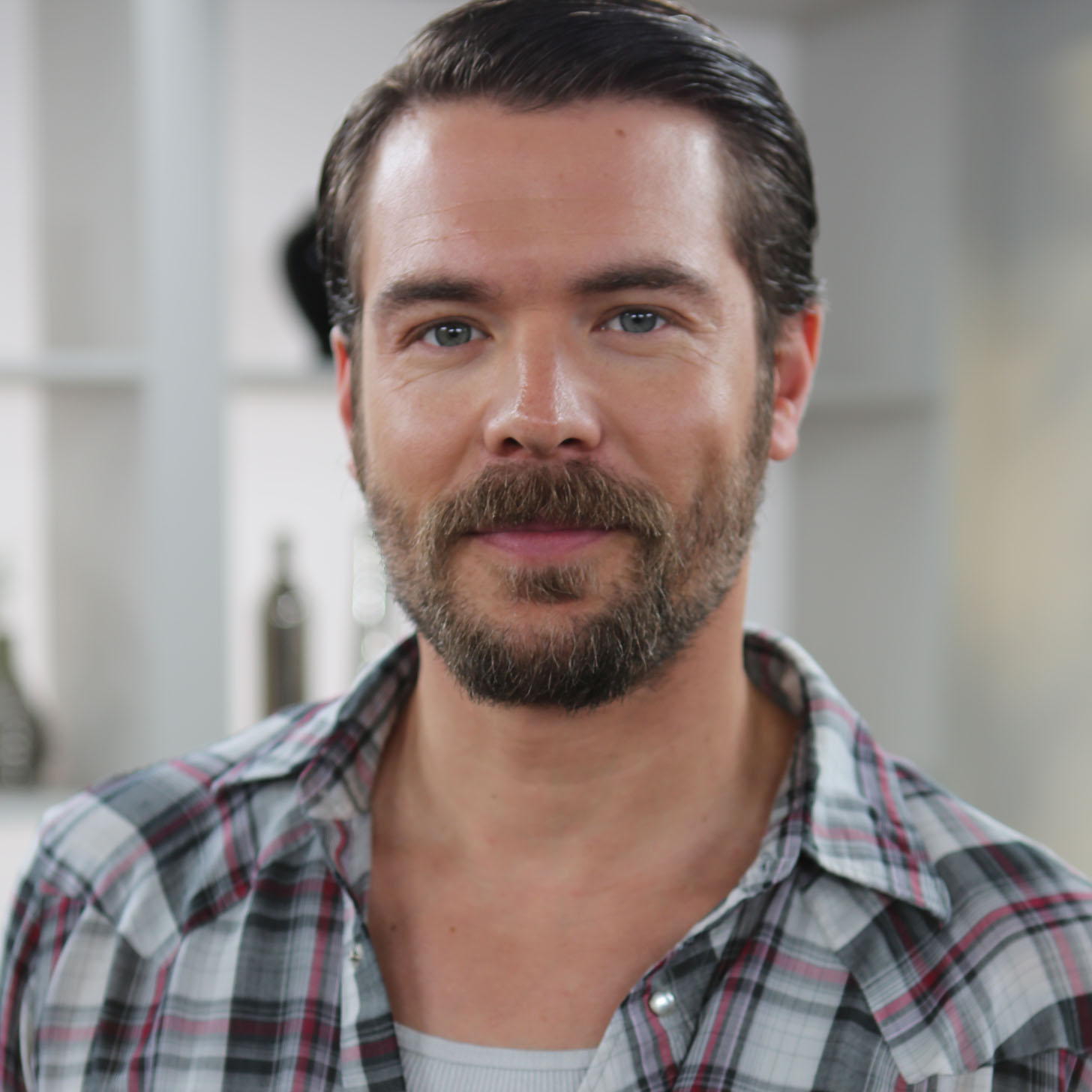 Charlie Weber (actor) Share This Link