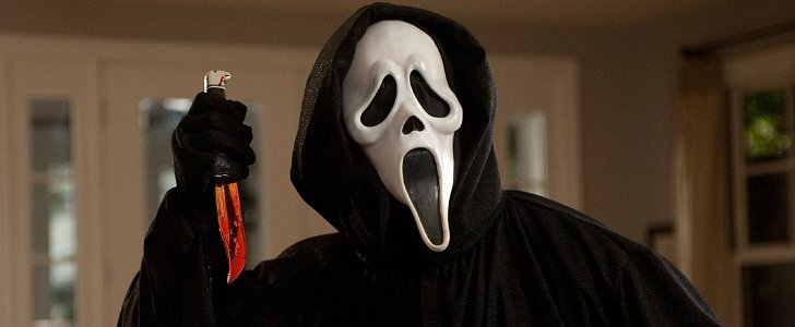 Horror Movie Mistakes That Are Terrifyingly Bad