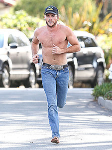 Scott Eastwood Steps Out for a Shirtless Workout - We Try Not to Faint (PHOTOS)