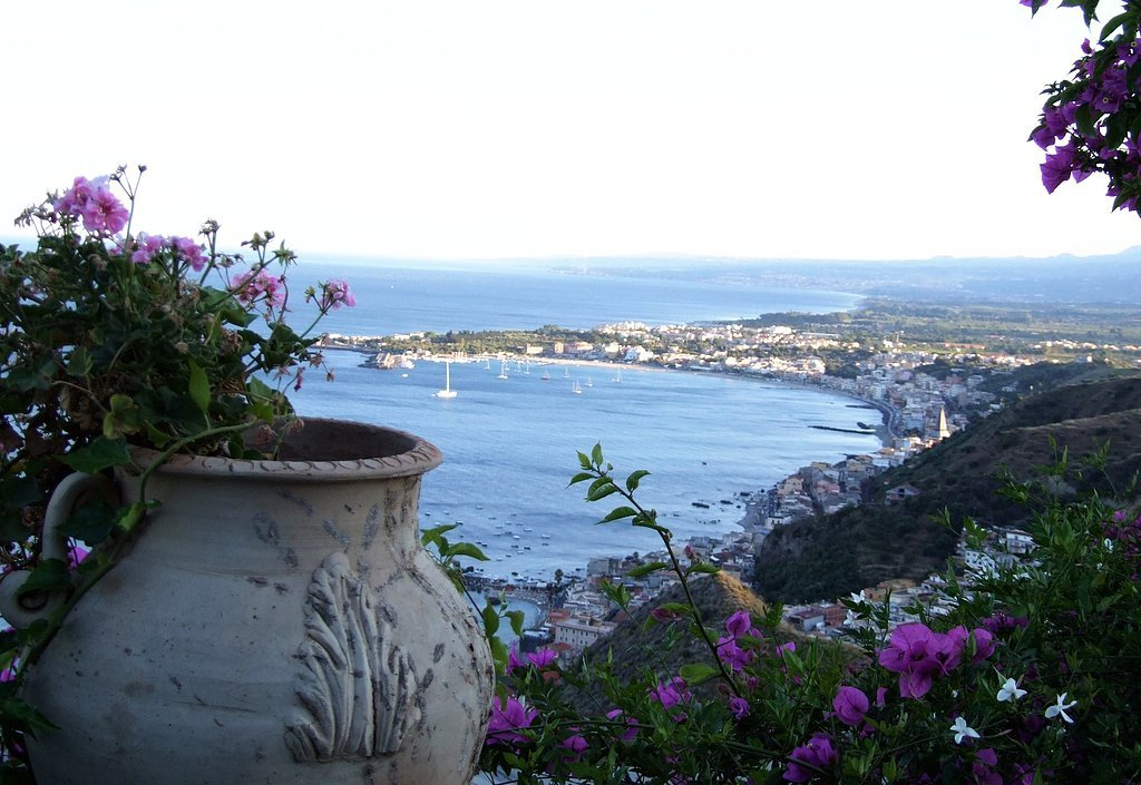 Off the beaten path towns to visit in italy popsugar smart living - B b giardini naxos sul mare ...