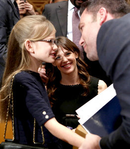 Violet Affleck, Jennifer Garner Support Ben Affleck at U.S. Senate Hearing: Pics
