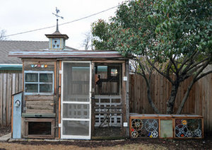 Quirky Meets Practical in a Dallas Chicken Coop (21 photos)