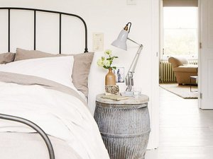 The Prettiest Inspiration to Inspire Your Nightstand Styling
