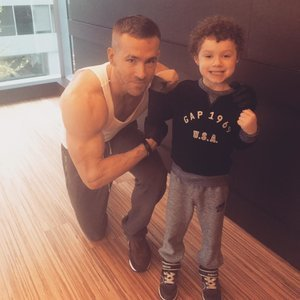Ryan Reynolds Buff Biceps Picture With Little Boy at Gym