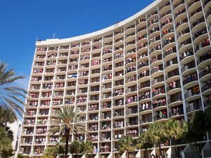 Florida Holiday Inn Wakes Up Spring Breakers with 'Circle of Life' (VIDEO)