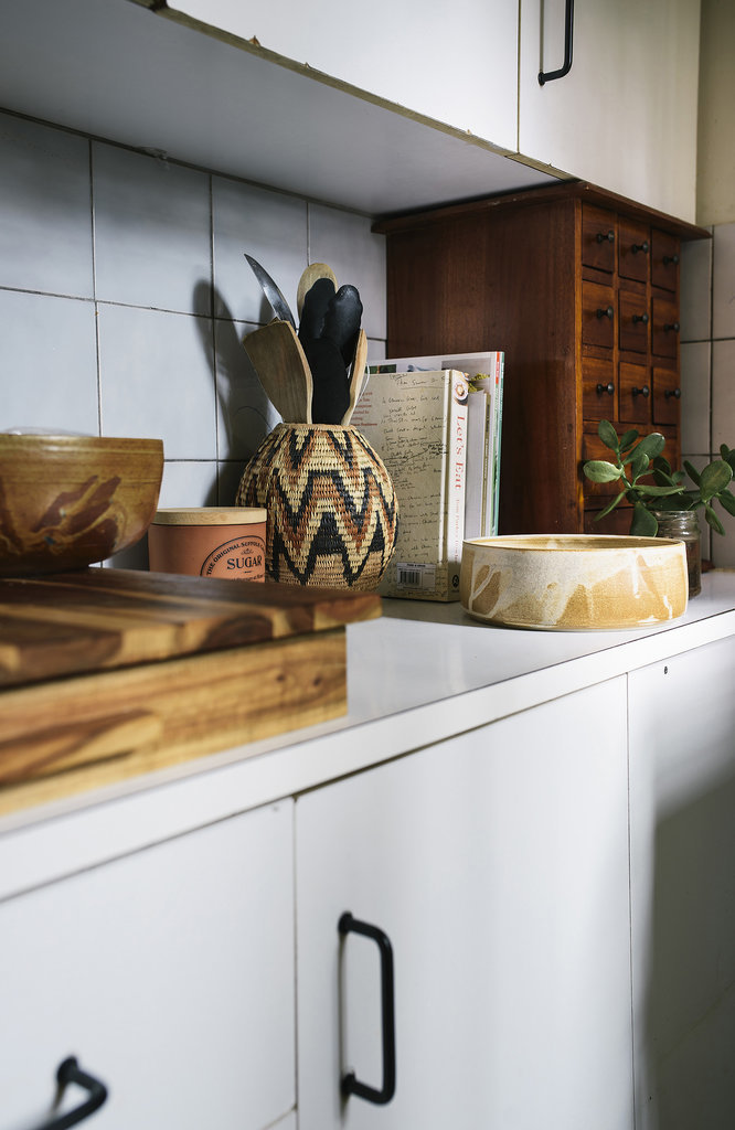 The Home 39 S Neutral Palette And Wood Heavy Decor Is Continued In The See Why Reddit Is Freaking