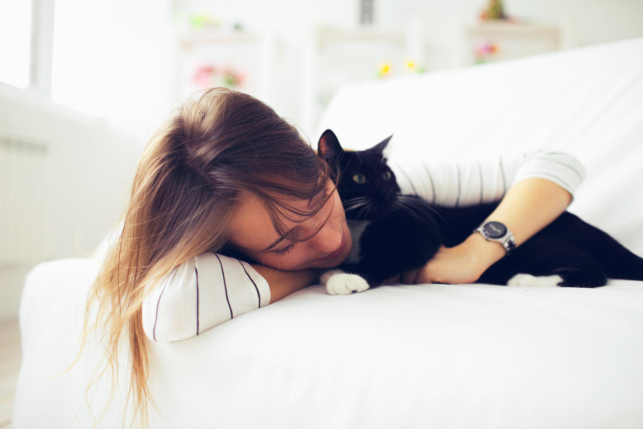 Спящая девушка дома 27 фотография