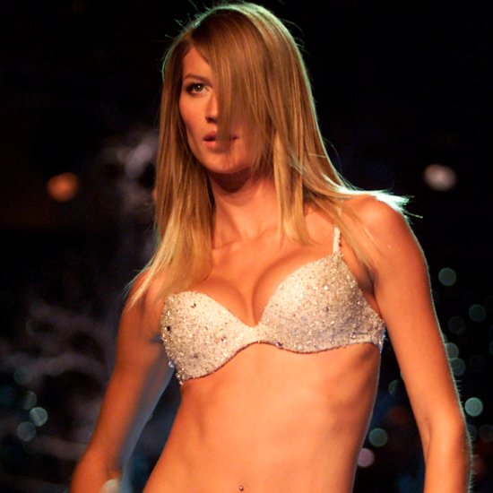 Pictures of Gisele Bundchen on the Runway Over the Years