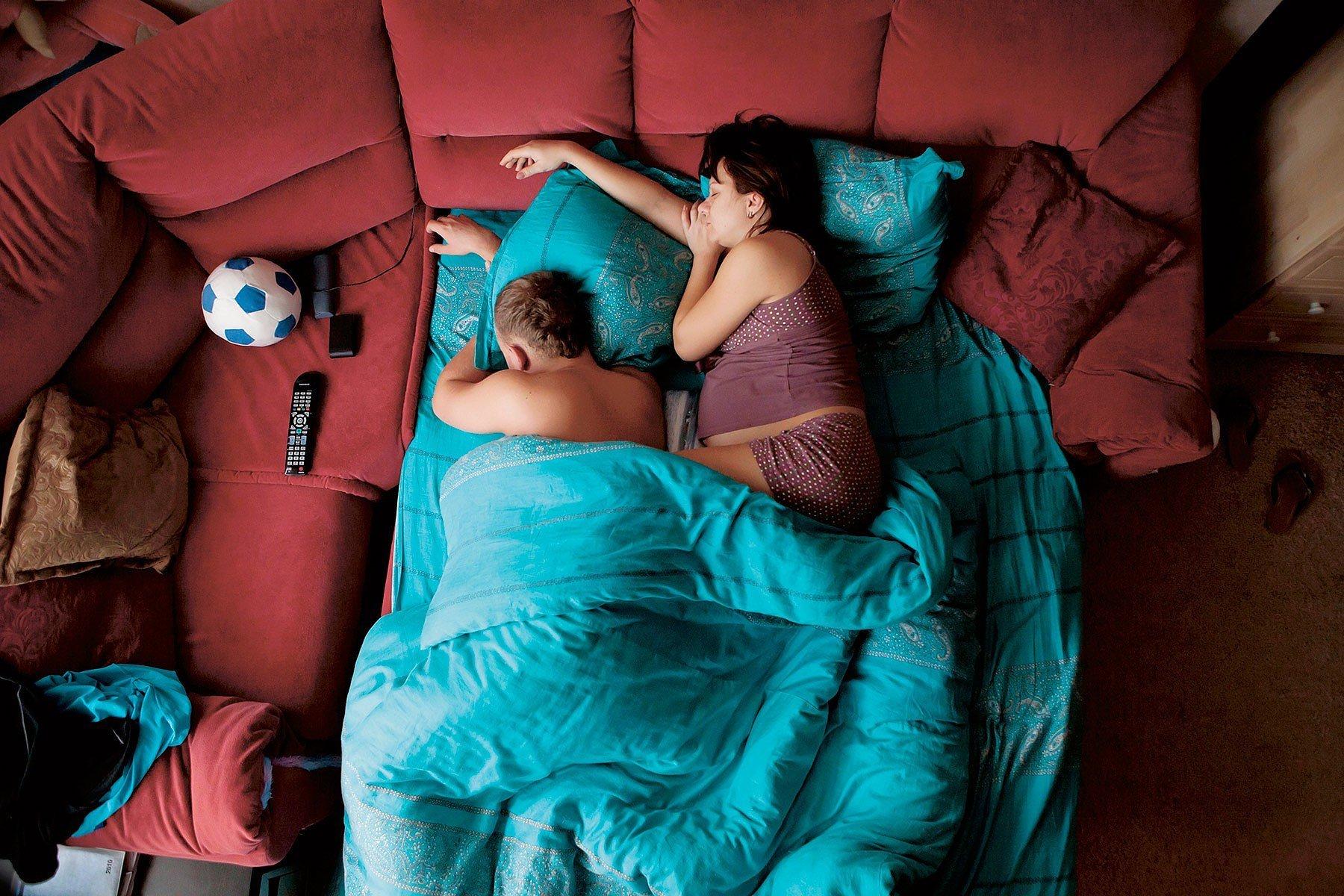 Фото спящих полных девушек 16 фотография