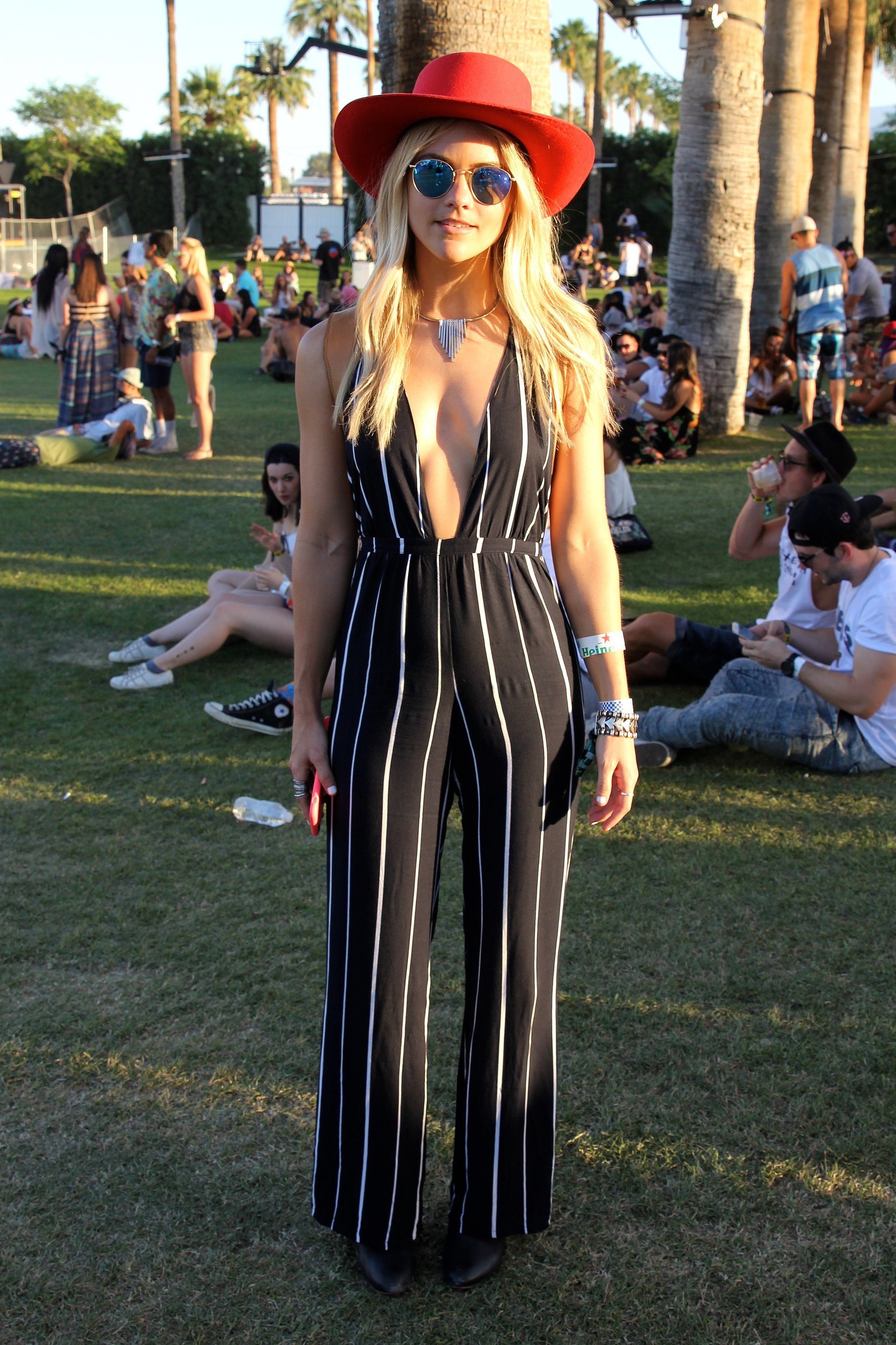 A Striped Shopbop Romper With A Plunging Neckline Stood Out On Its Own But This Outfit Really ...
