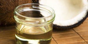 7 Reasons Why You Should Be Using Coconut Oil For Your Hair