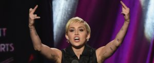 Miley Cyrus Breaks Up With Her Razor, and Fans Go Wild