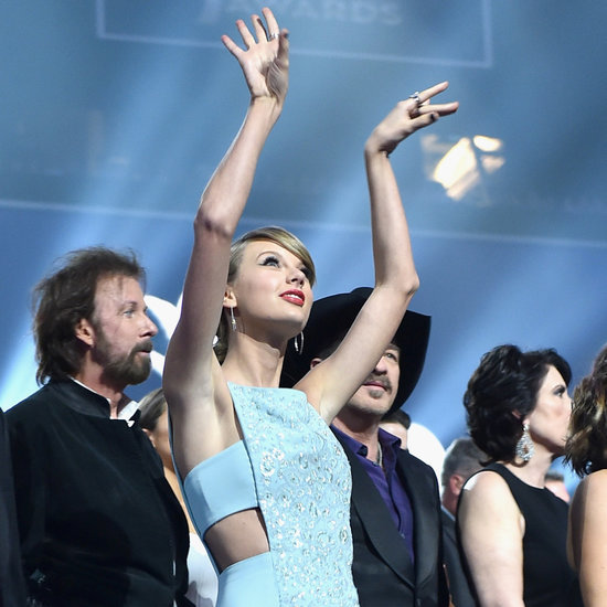 Taylor Swift Dancing at the ACM Awards 2015 | Pictures