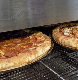 Pizza Hut's Pretzel Crust With Bacon Macaroni and Cheese