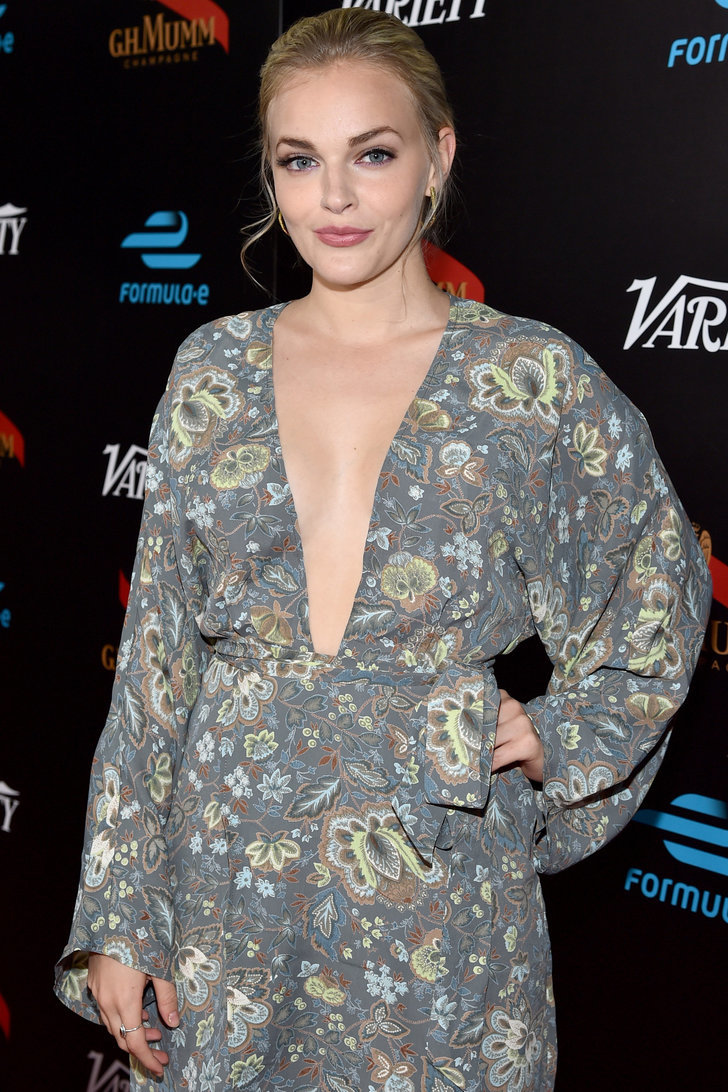 Madeline Brewer Nude Photos 25