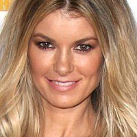 Marisa Miller makes a statement with her nude, pregnant body