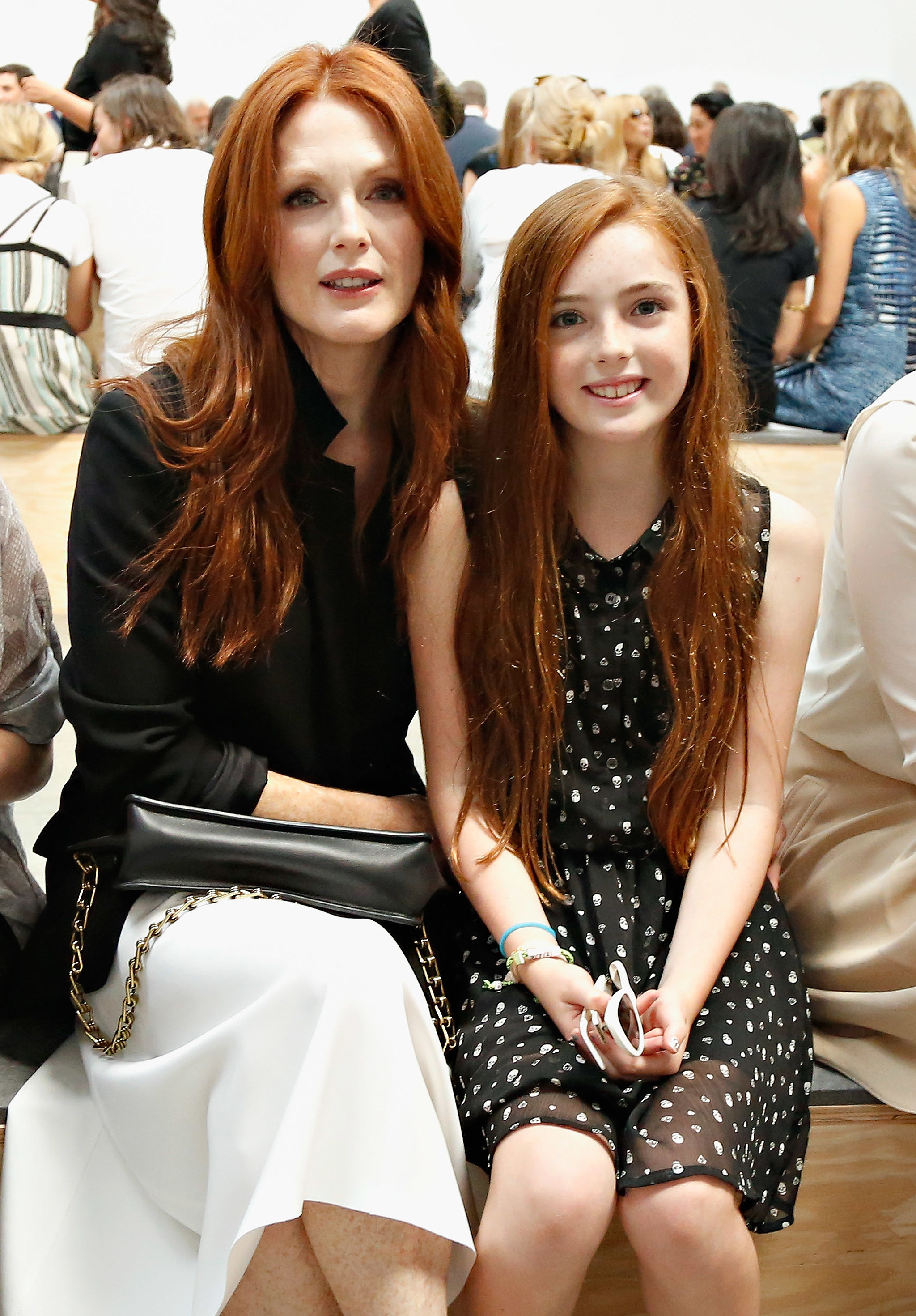 julianne moore and liv freundlich 28 celebrity moms who