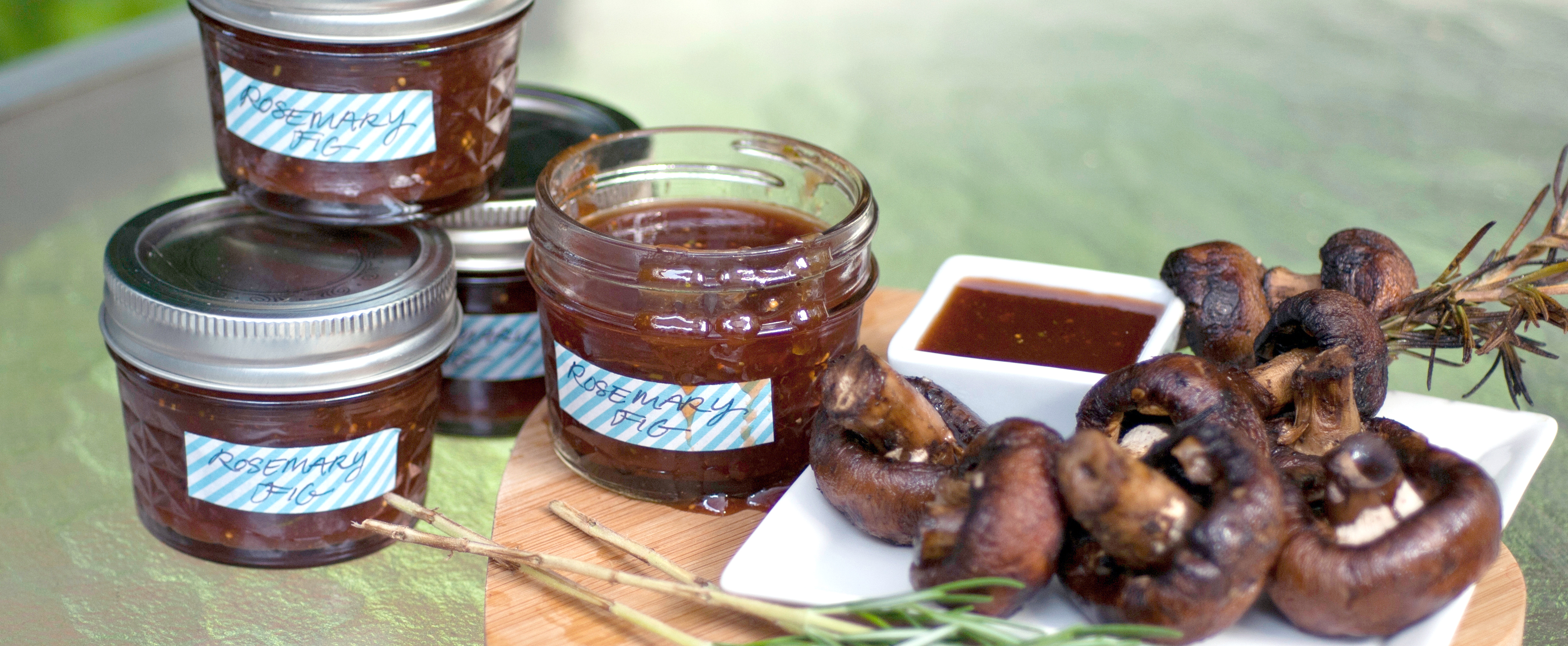 Here's The Easiest Way to Elevate Basic Barbecue Sauce