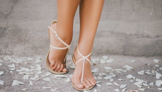 How To Get Soft, Smooth Feet By Sandal Season