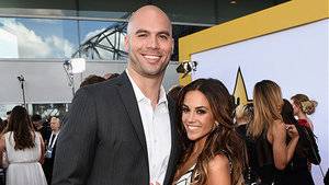 'One Tree Hill' star Jana Kramer Marries NFL Player Michael Caussin