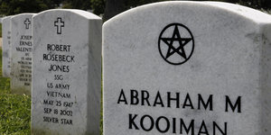 Arlington Cemetery Gravestones Honor America's Fallen Soldiers Of Every (And No) Faith