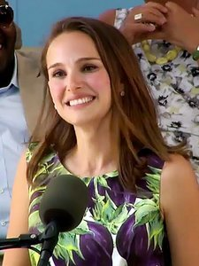 Natalie Portman Delivers a Thought-Provoking Keynote Speech to Harvard